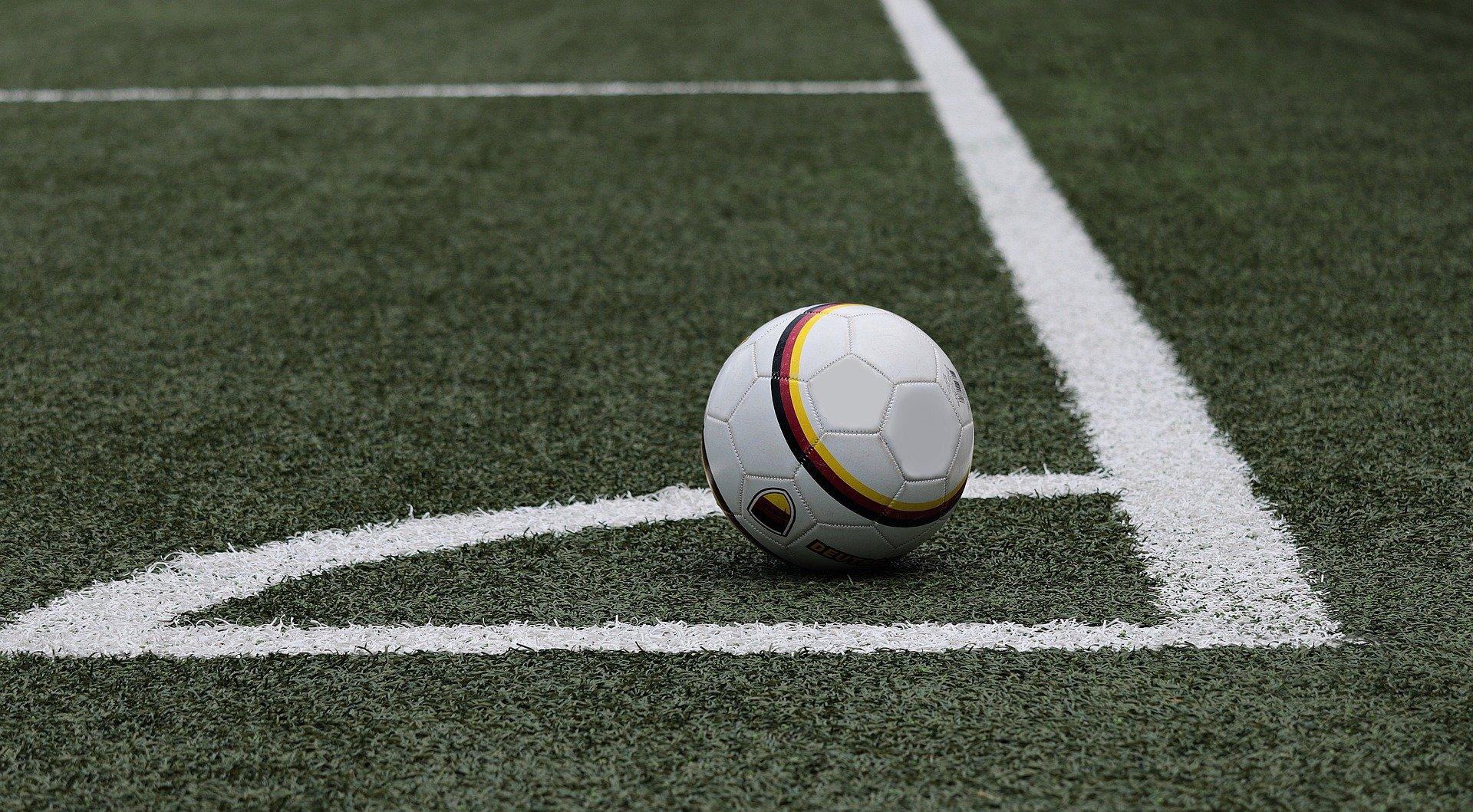 soccer-3471402_1920